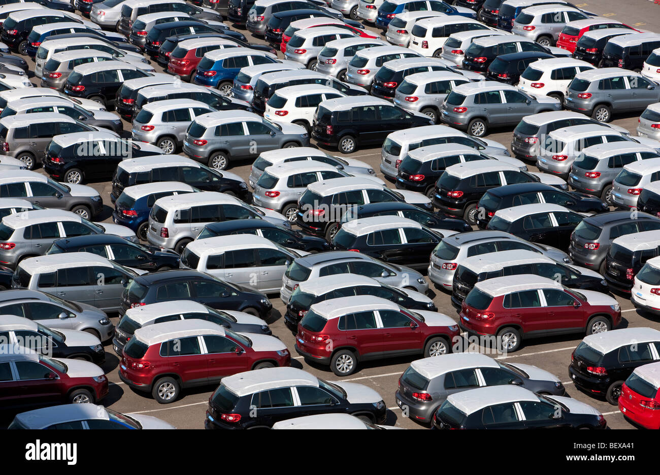 Waiting for Export . New cars at Volkswagen AG in Wolfsburg - Stock Image