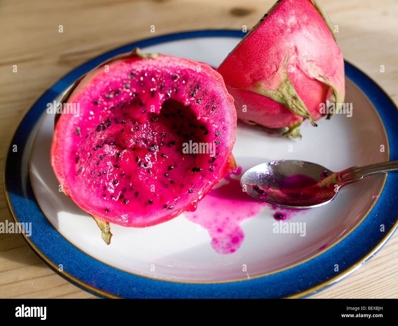 Pictures Of Ripe Dragon Fruit