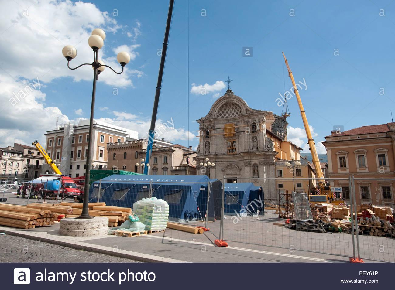 reconstruction 2009 june, piazza duomo, l'aquila, abruzzo, italy - Stock Image