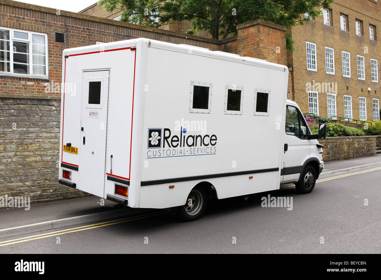 A Prisoner transfer van operated by Reliance Custodial Services - Stock Image