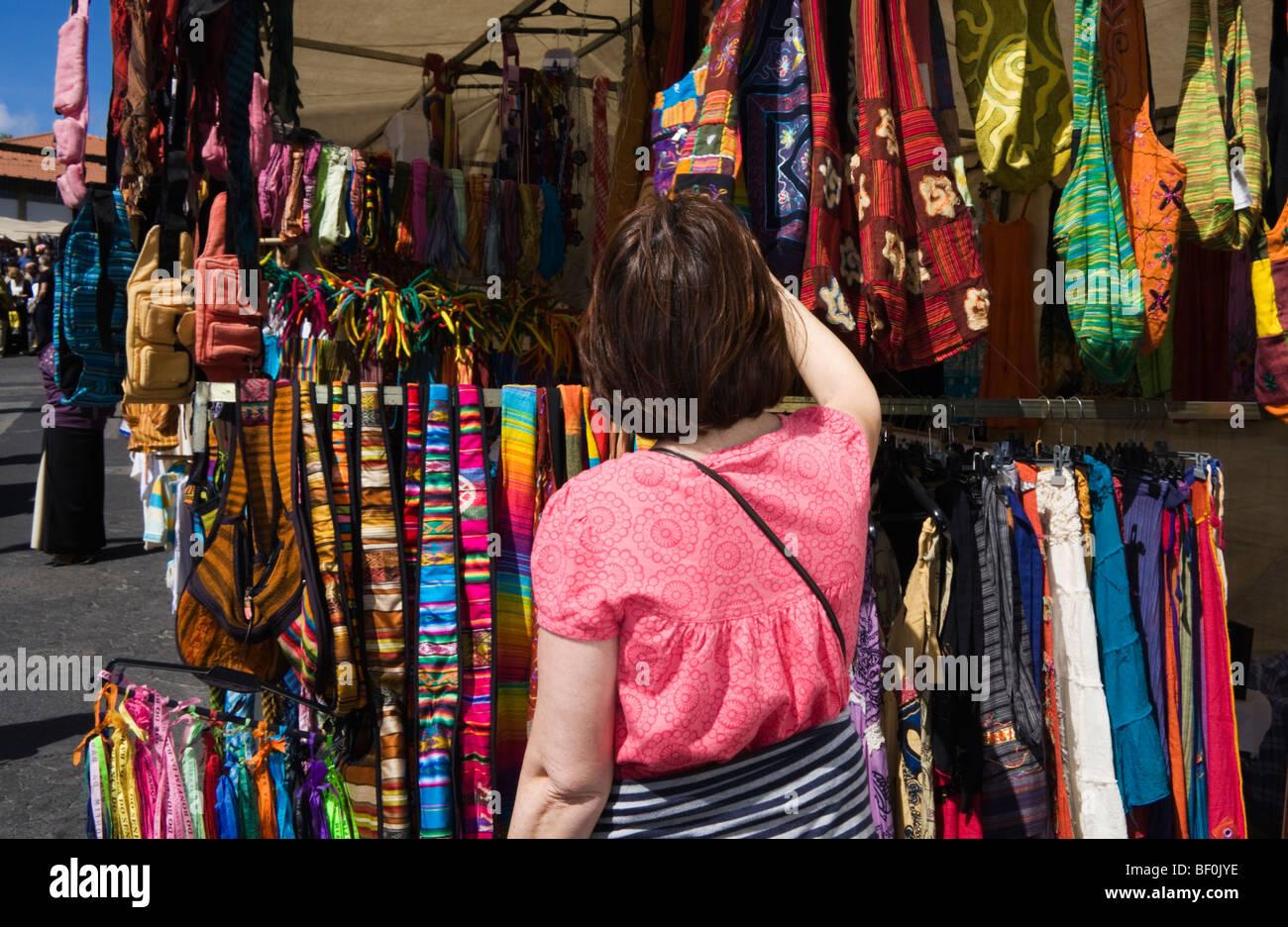 Feira da Ladra (Thieve's Market), Campo de Santa Clara, Alfama, Lisbon, Portugal, Easter 2009 - Stock Image
