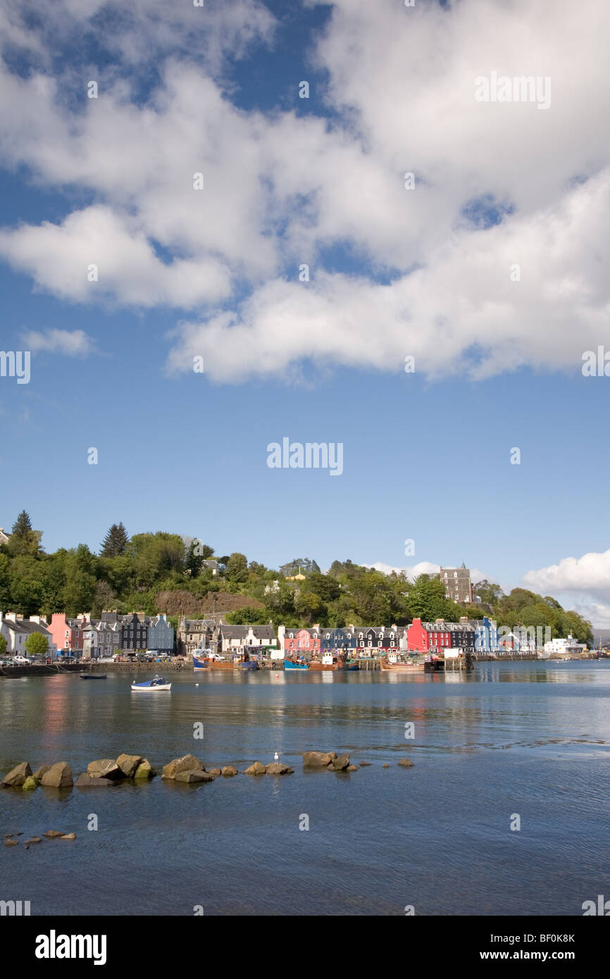 Tobermory harbour , Argyll, Scotland in the summer sun - Stock Image