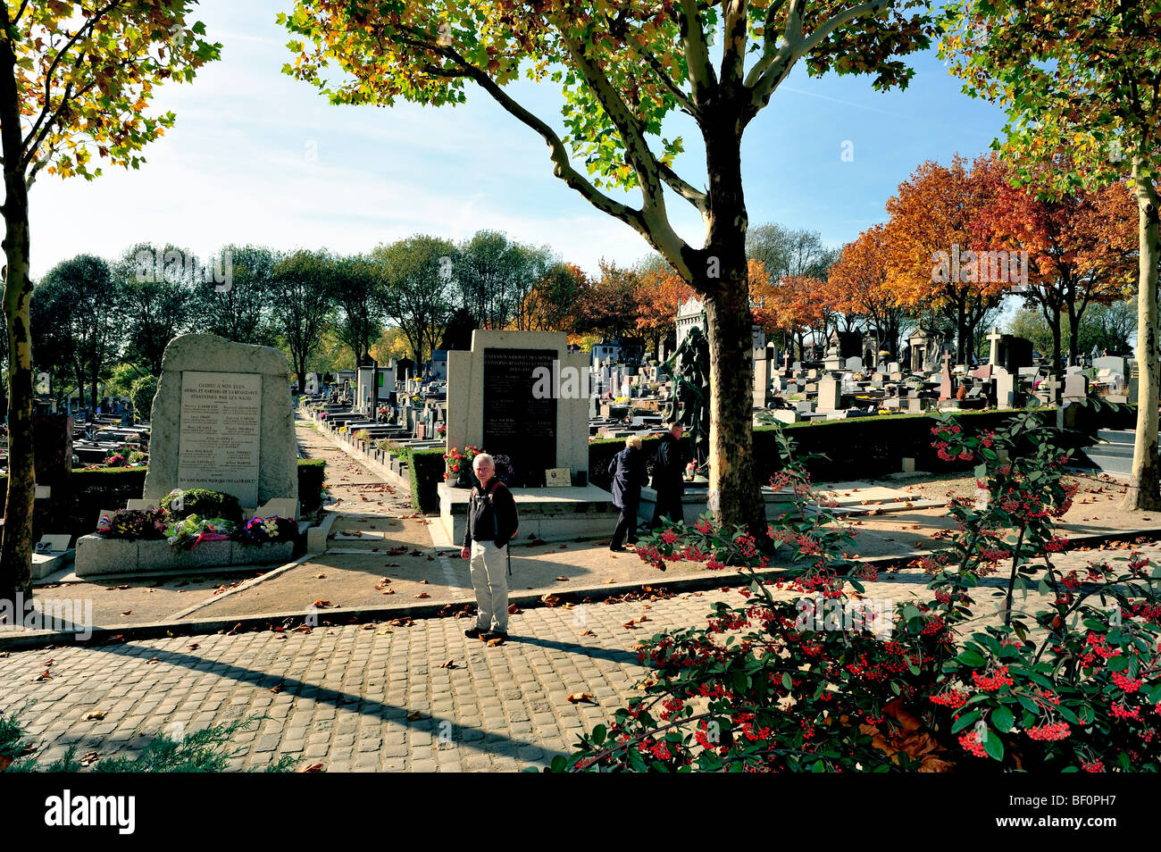 Paris, France - 'Pere Lachaise' Cemetery, Monuments, People Visiting, 'Street Scene' 'Urban - Stock Image