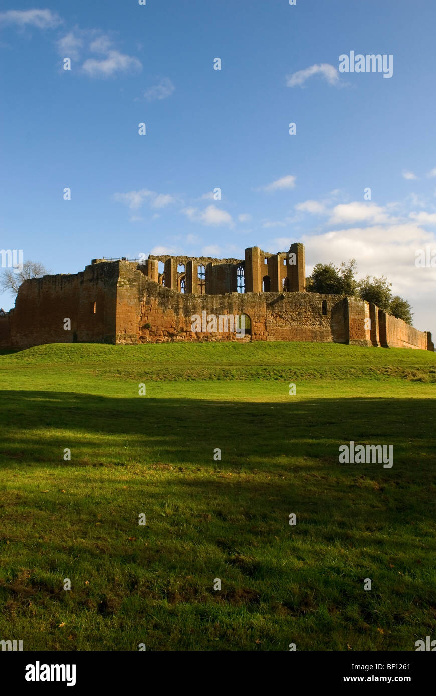 Kenilworth Castle with sunny blue sky Autumn Time - Stock Image