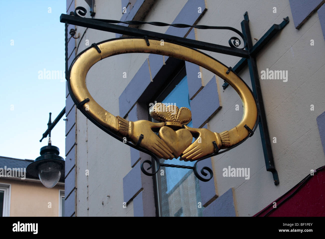 A giant Claddagh ring sign outside a jewellers shop in Galway city Ireland - Stock Image