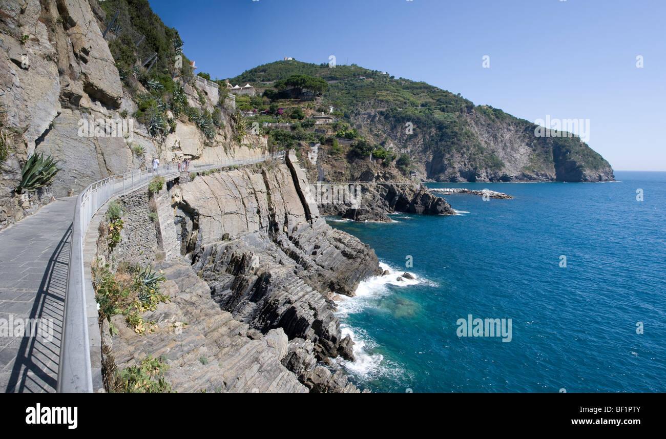 Via dell Amore, path of love, Cinque Terre, Liguria, Italy - Stock Image