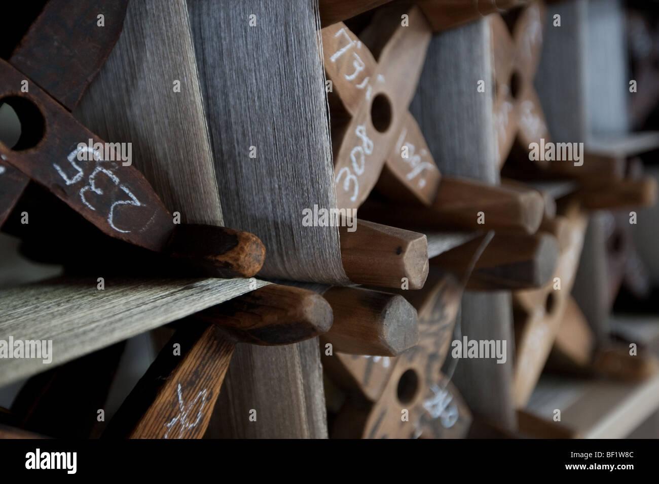 silk threads weaving handicrafts - Stock Image