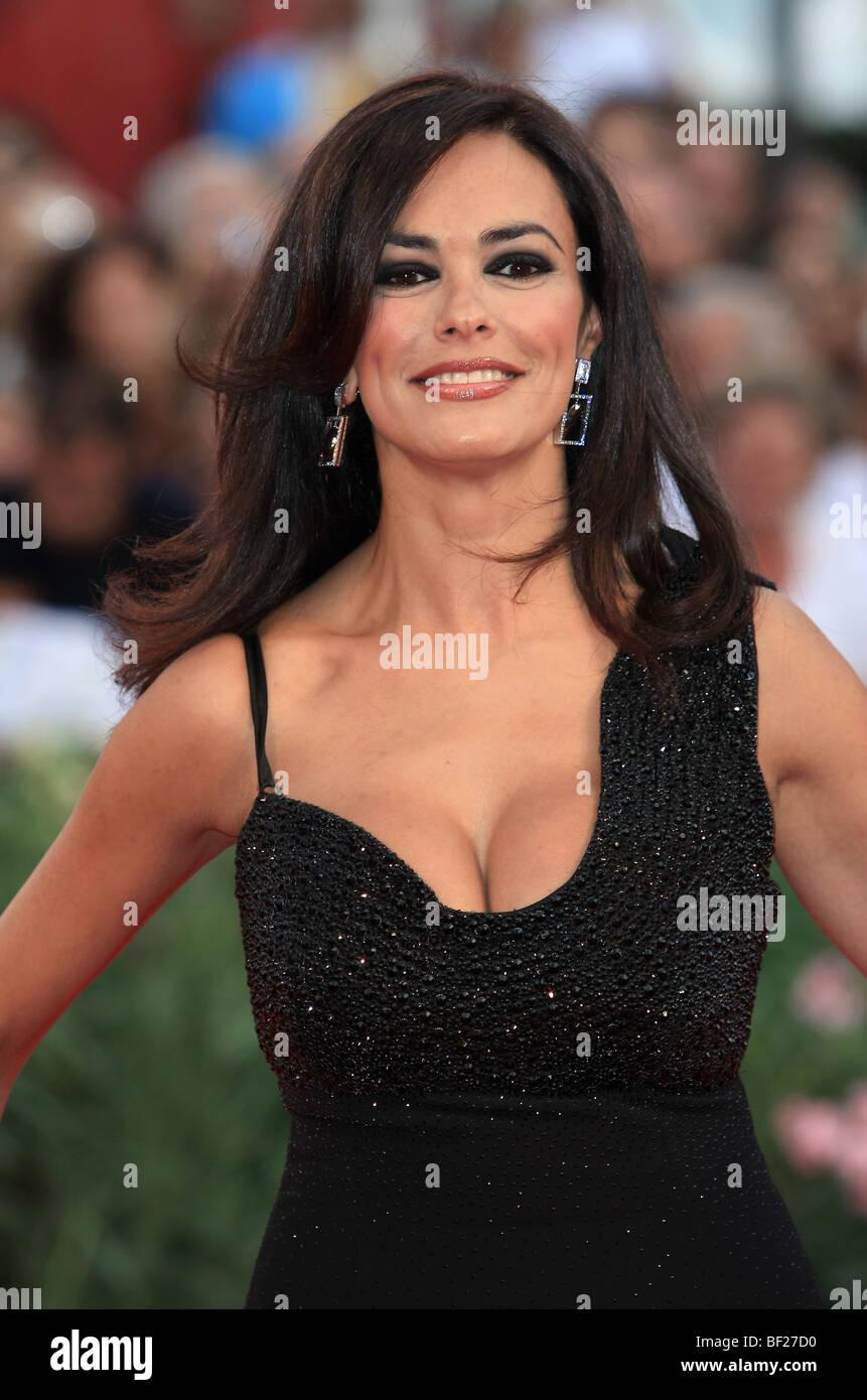 Maria Grazia Cucinotta Nude Photos 74