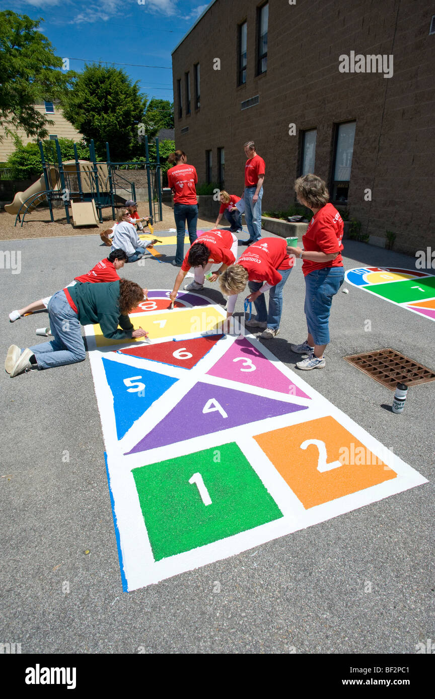Participants of a City Year project at Beech Elementary School Stock