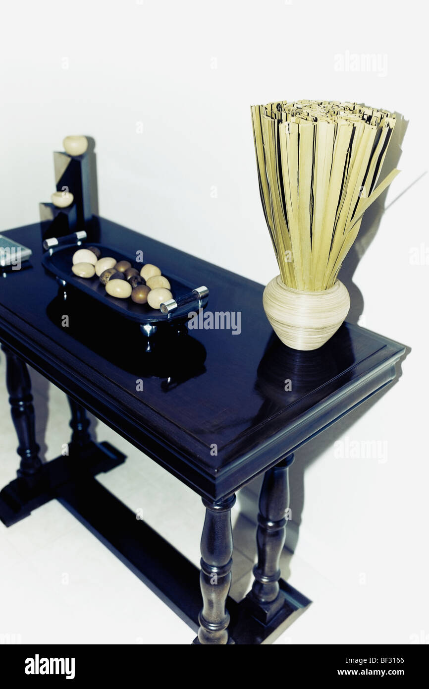 Showpieces on a table - Stock Image