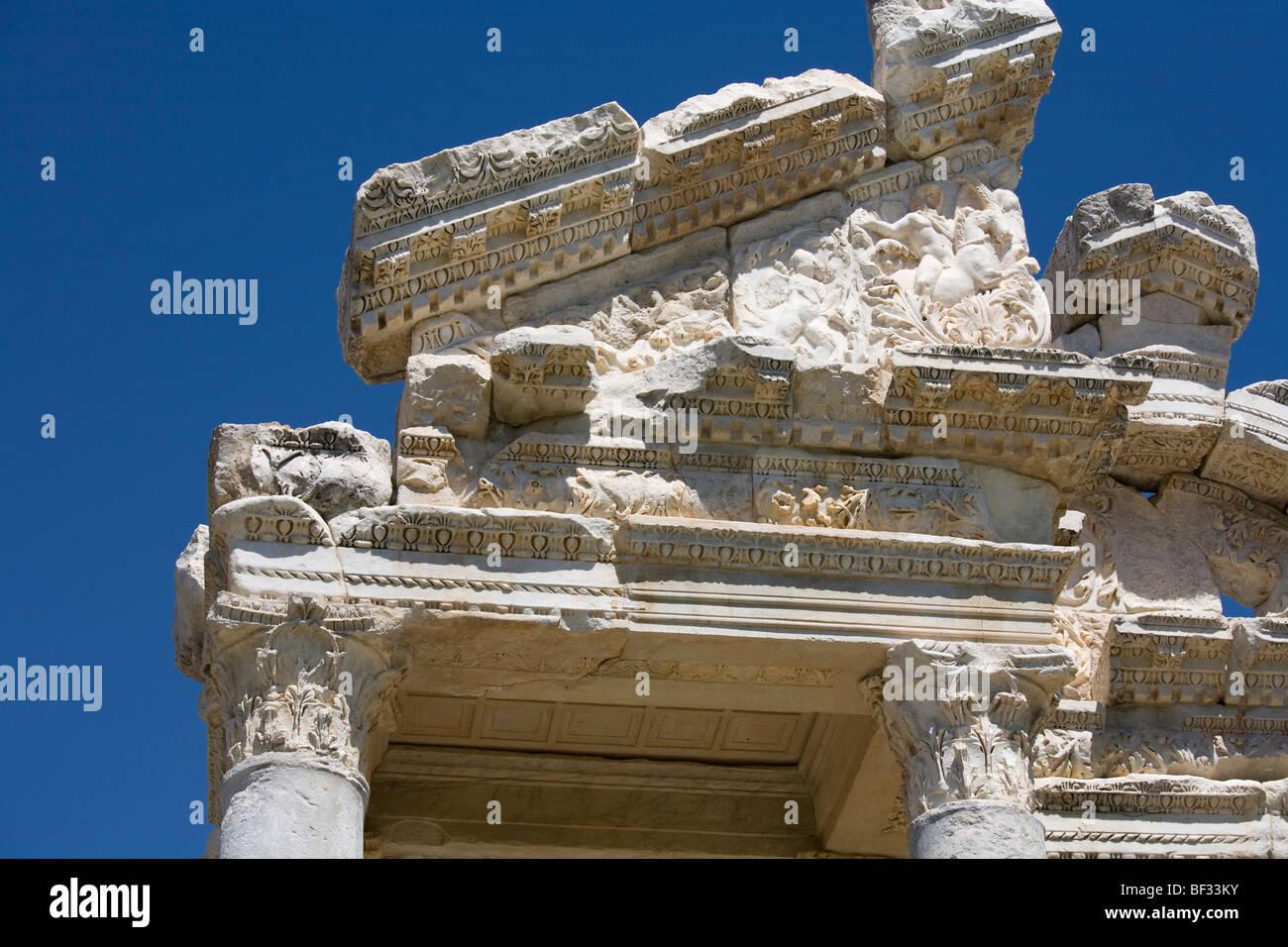 Turkey, Aphrodisias - Tetrapylon, western pediment, north end, decorative entablature - Stock Image