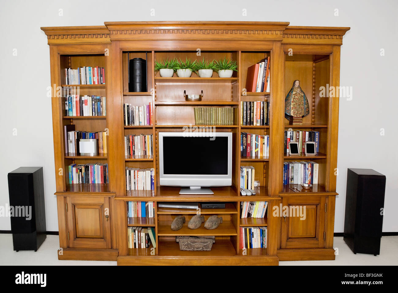 Flat screen television system with speakers - Stock Image