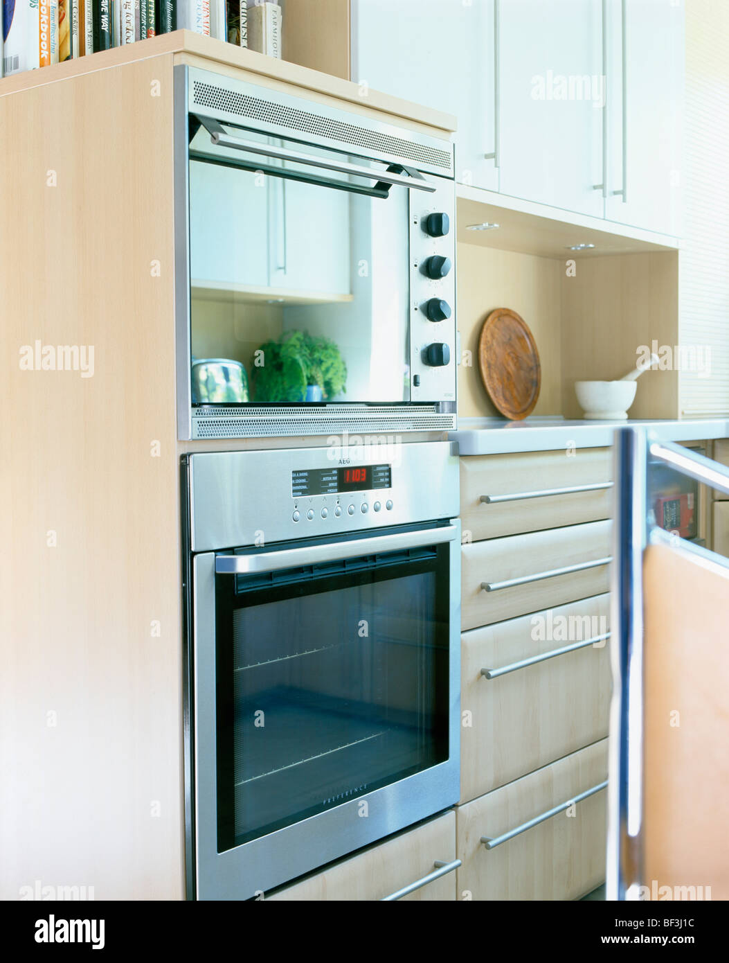 Modern Details Appliances Ovens Stock Photos & Modern Details ...