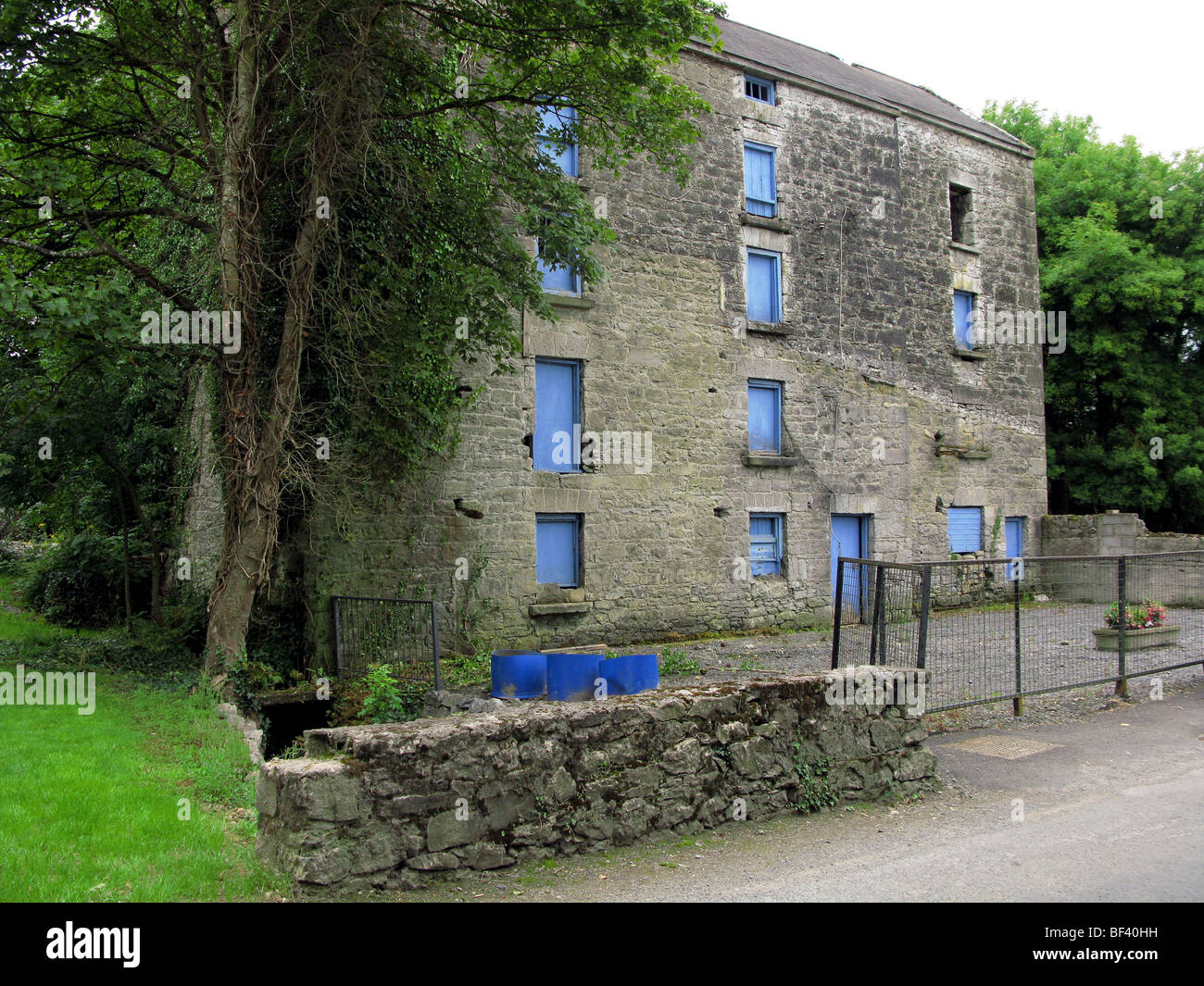Old Mill near Lecarrow - Stock Image