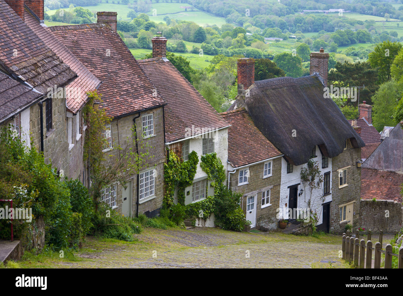 Cottages at 'Gold Hill' Shaftesbury Dorset England - Stock Image