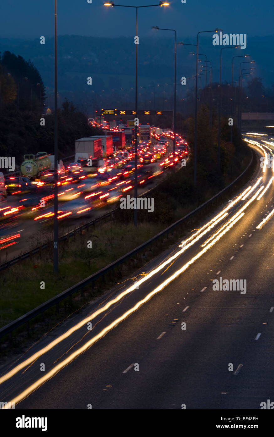 Accident Congestion On The M25 motorway With Traffic Trails - Stock Image