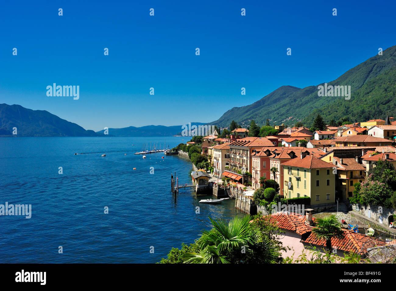 Townscape, Lake Maggiore, Cannero Riviera, Piedmont, Italy, Europe - Stock Image