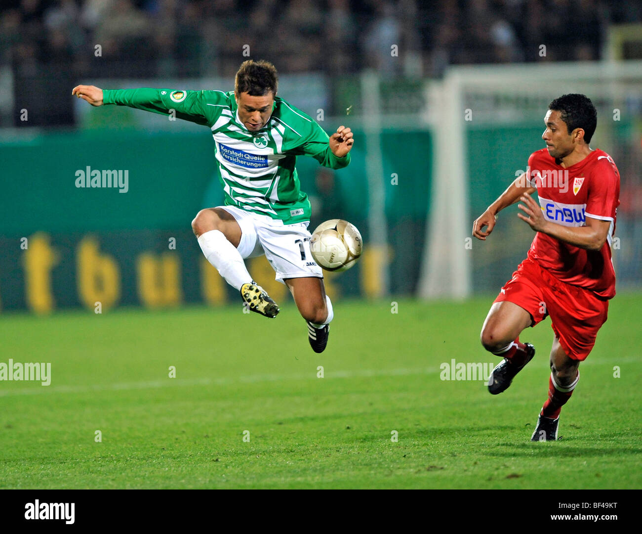 Duel, Stephan Schroeck, SpVgg Greuther Furth, vs. Elson, VfB Stuttgart, right Stock Photo