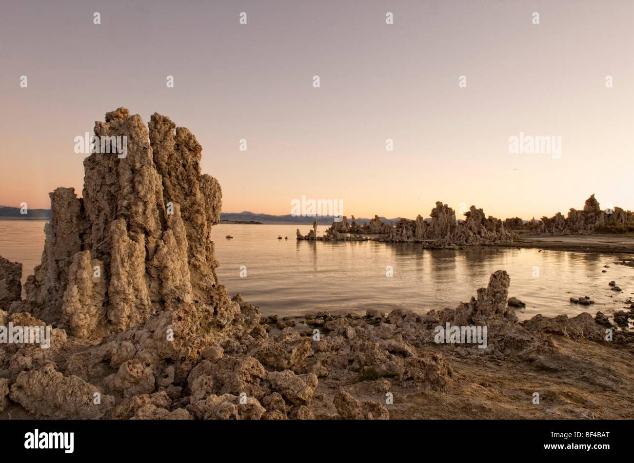 Sunrise at South Tufa, Mono Lake, Lee Vining, California, USA - Stock Image
