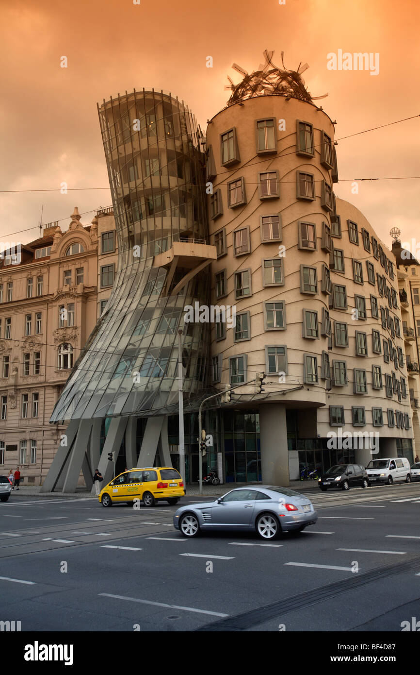 Dancing House by Frank Gehry, Prague, CZ - Stock Image