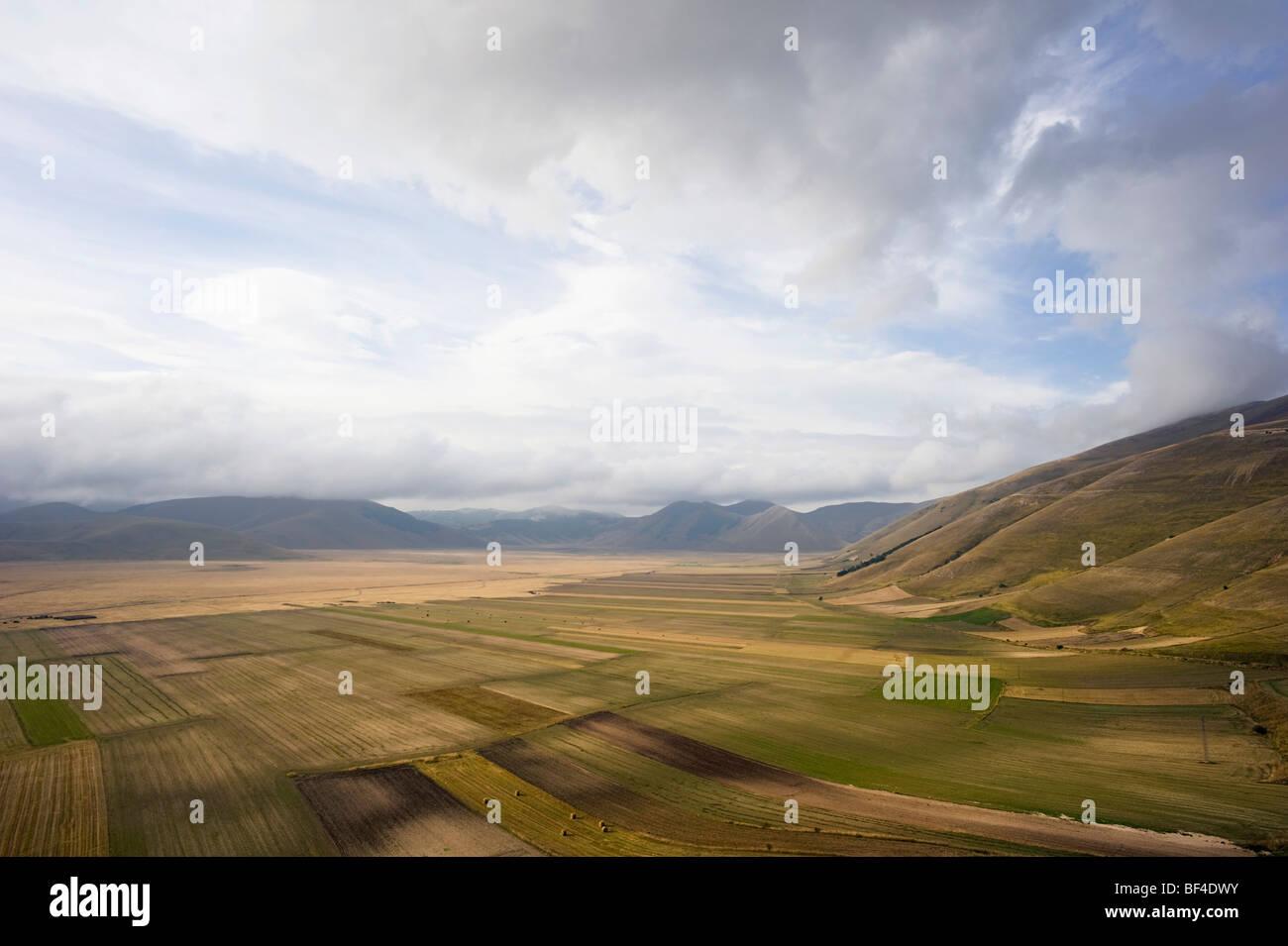 High above Piano Grande plateau, Monte Sibillini, Apennines, Le Marche, Italy, Europe - Stock Image