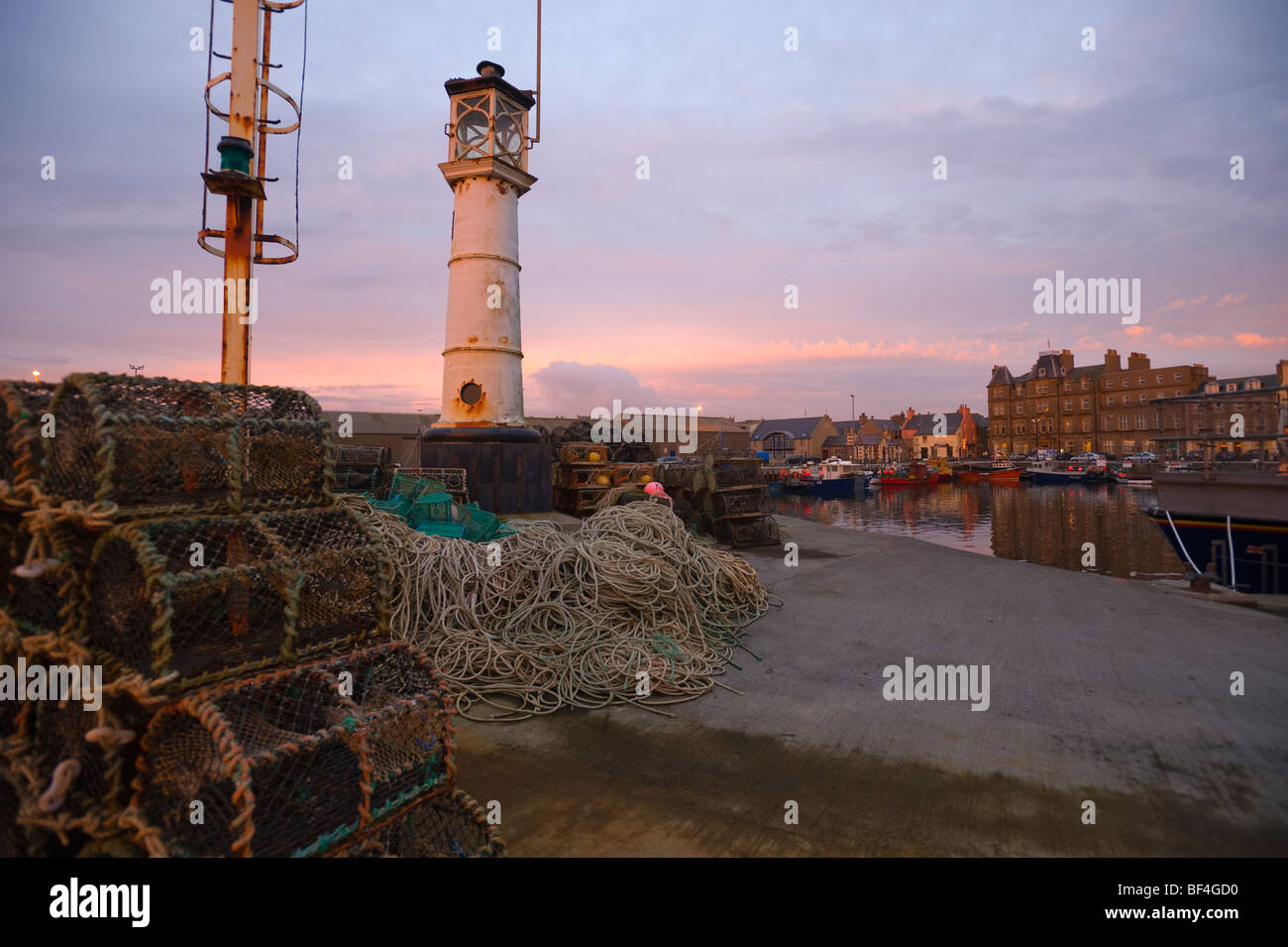 Lighthouse and fishing weirs at the harbour, Kirkwall, Orkney Islands, Scotland, United Kingdom, Europe - Stock Image