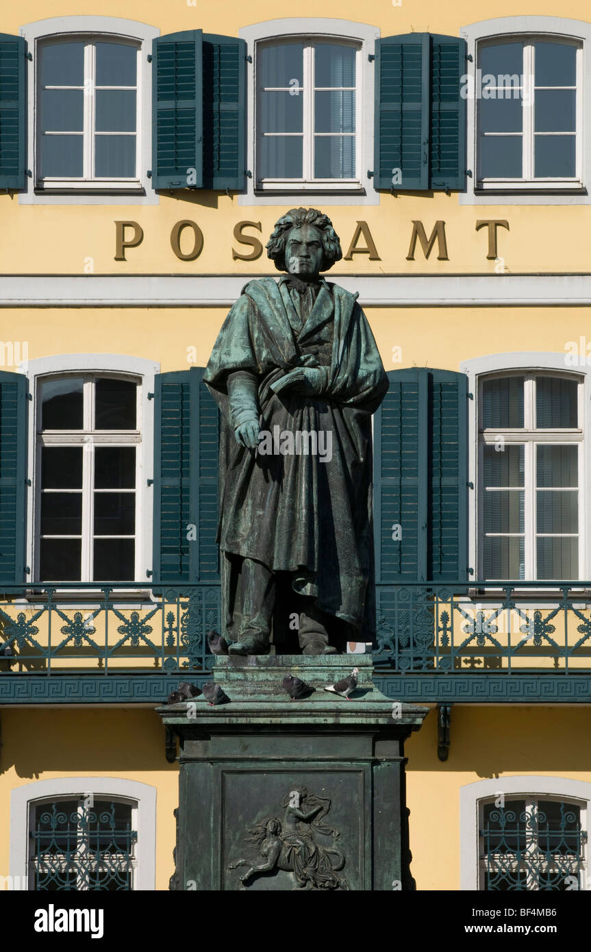 Beethoven statue in front of the post office in the cathedral square, Bonn, North Rhine-Westphalia, Germany, Europe - Stock Image