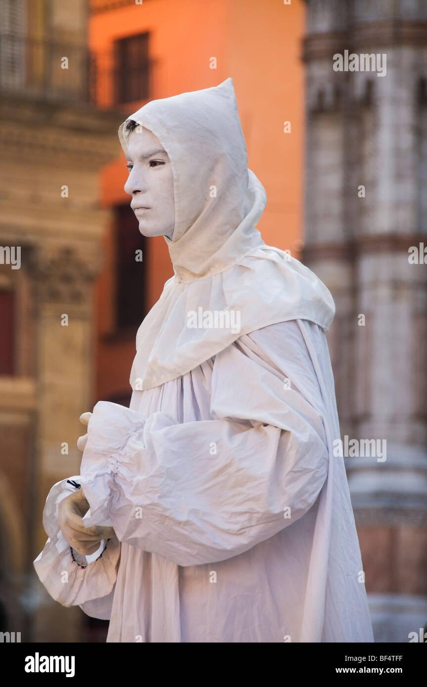 Mime Busker in Piazza Maggiore, Bologna, Italy - Stock Image