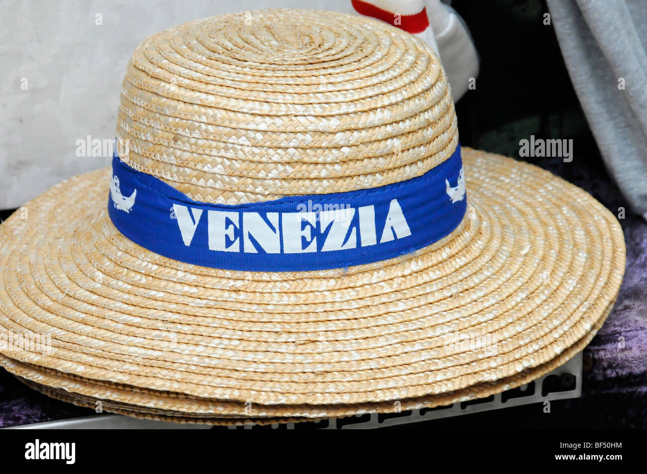 0911a5eb5c1 Gondolier Hats Stock Photos   Gondolier Hats Stock Images - Alamy