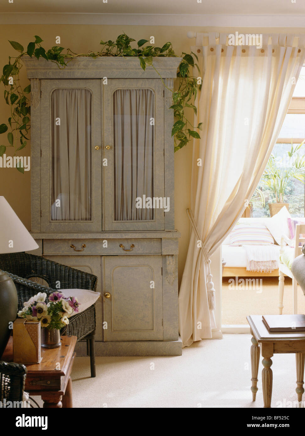 Exceptionnel Cream Country Living Room With Pastel Green Painted Cupboard Beside Cream  Curtains To Conservatory Room
