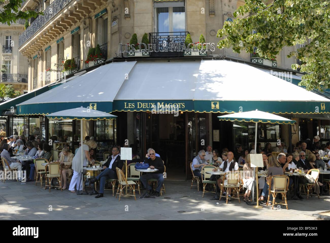 Les Deux Magots Cafe, Boulevard St-Germain, Paris - Stock Image