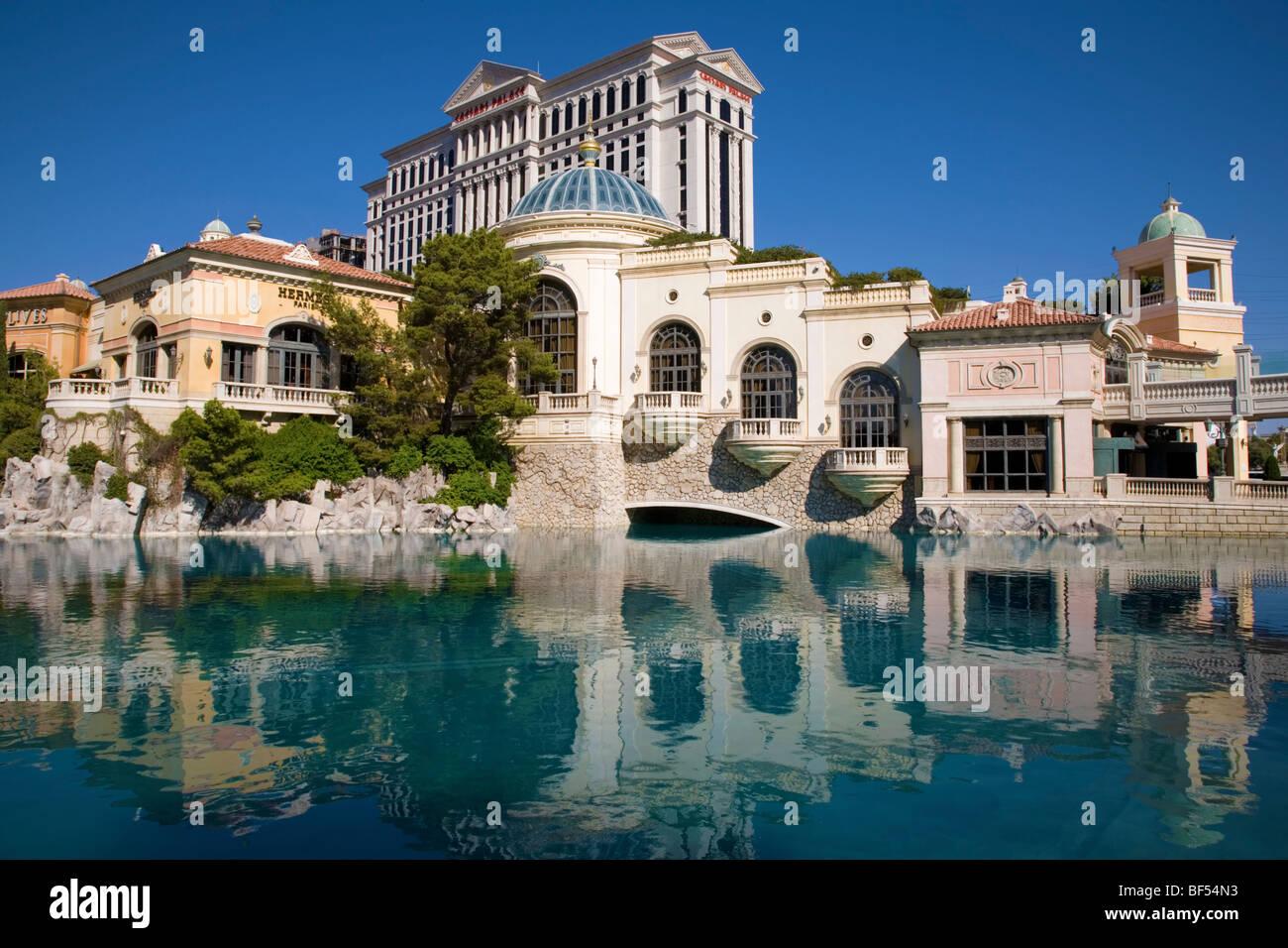 Lakeside Italian Riviera Shops And Restaurants At Bellagio Hotel