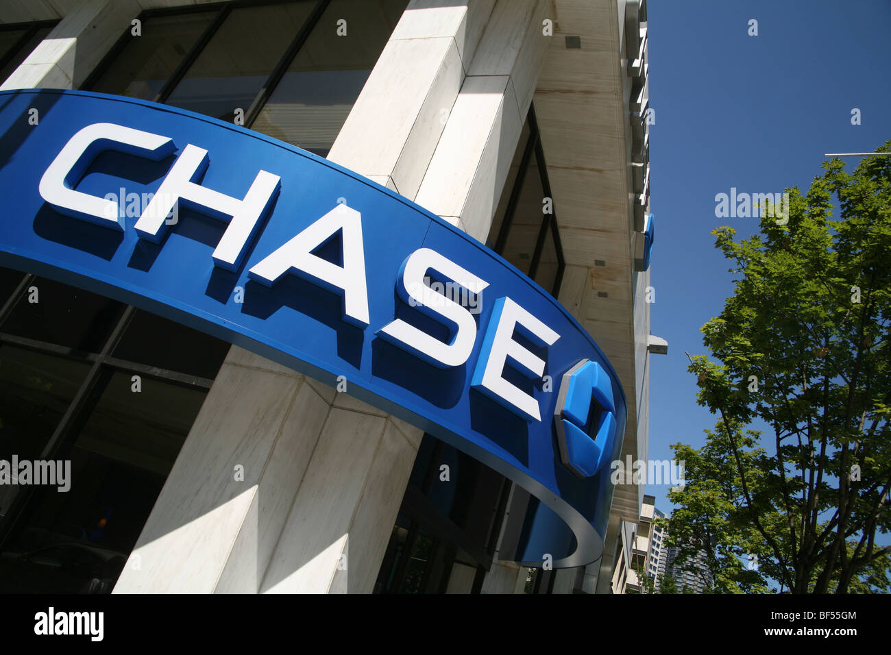 Exterior of Chase bank branch. No property release. Editorial usage only. - Stock Image