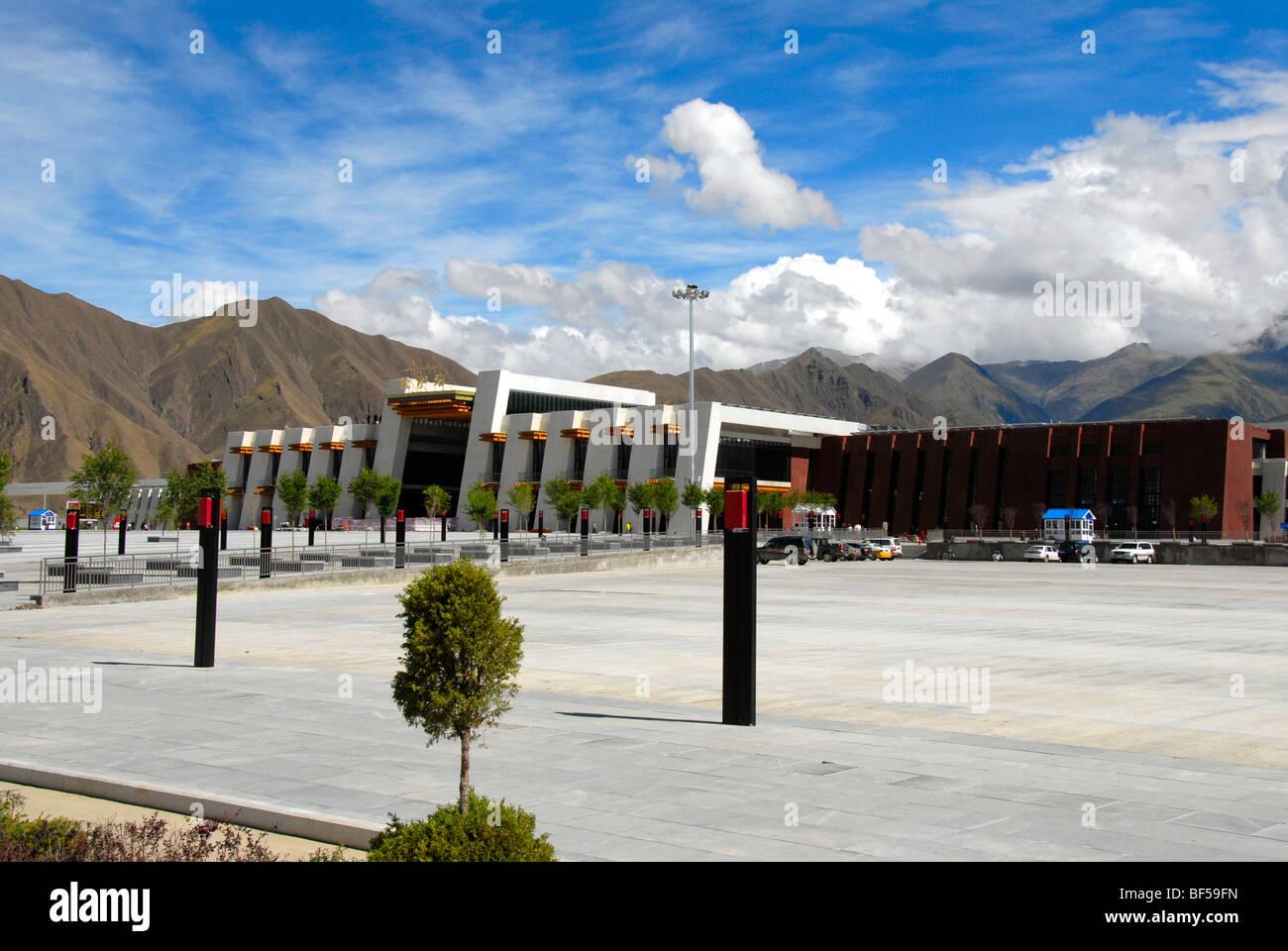Modern Tibetan architecture, railway station in Lhasa, Himalayas, Tibet Autonomous Region, People's Republic of Stock Photo
