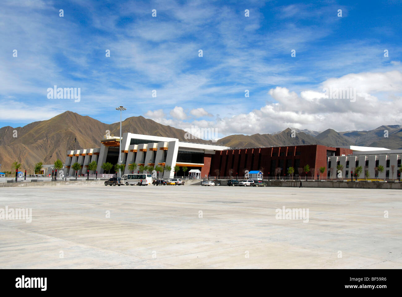Modern Tibetan architecture, railway station in Lhasa, Himalayas, Tibet Autonomous Region, People's Republic - Stock Image