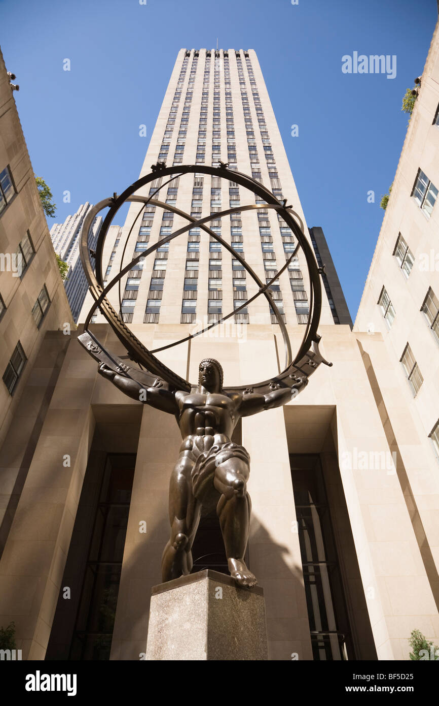 Atlas statue at Rockefeller Center, New York City, NY, USA. - Stock Image