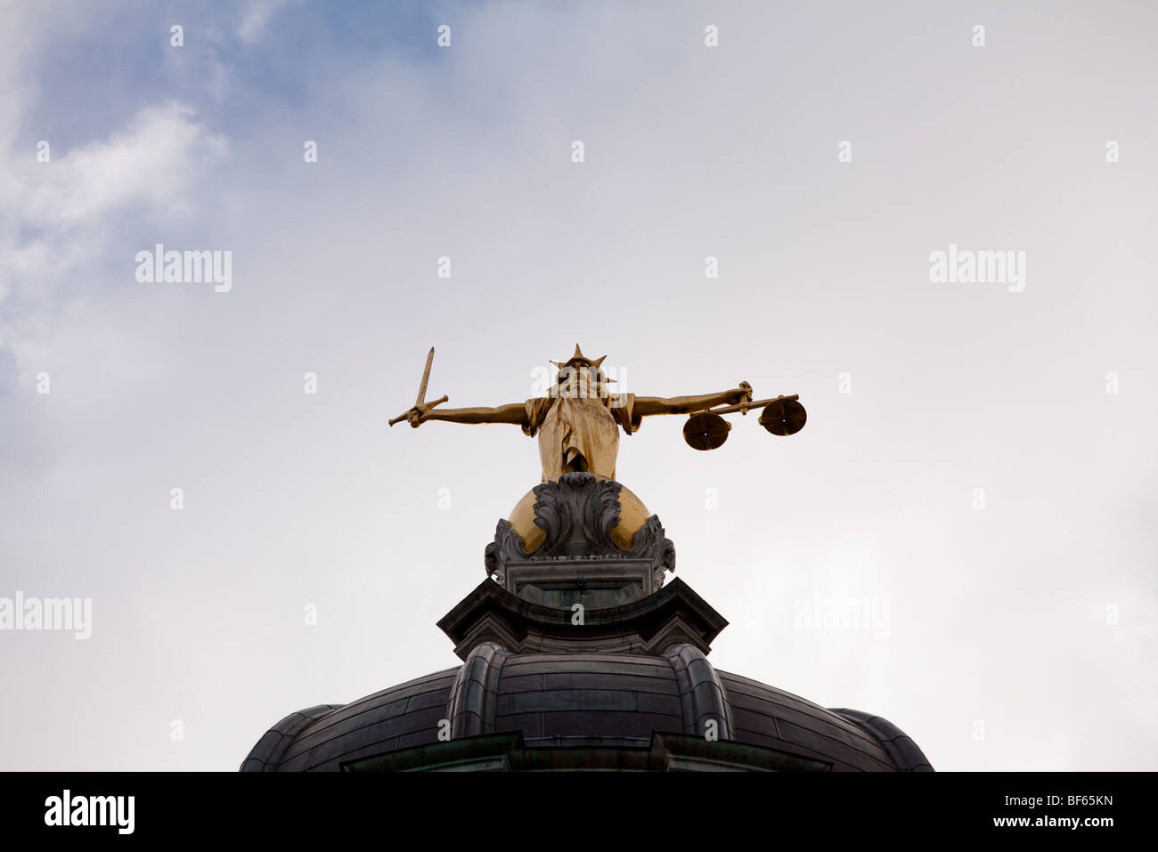 Shot of Statue on top of Old Bailey, London - Stock Image