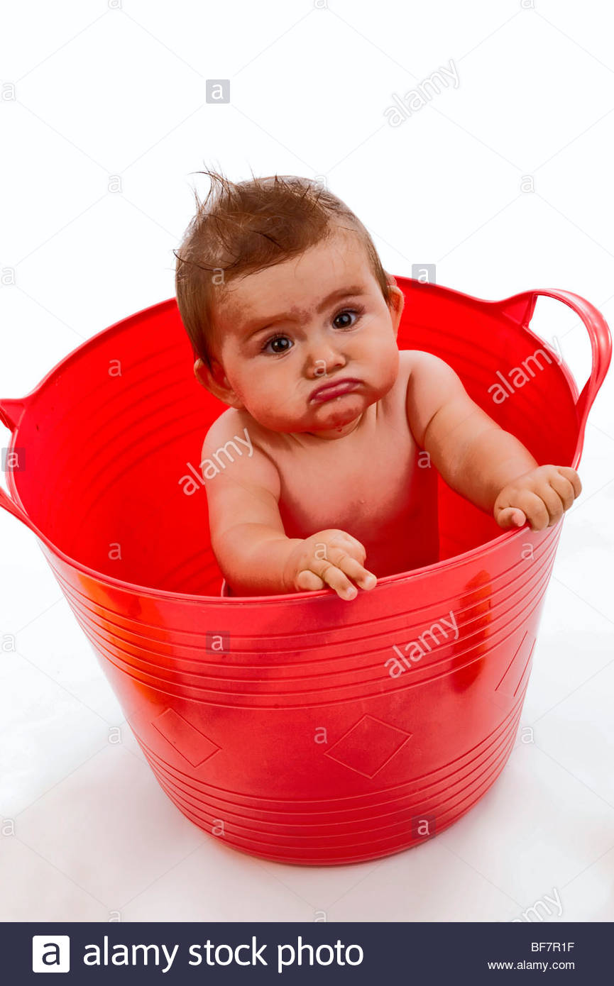 little child in red tub Stock Photo: 26601947 - Alamy