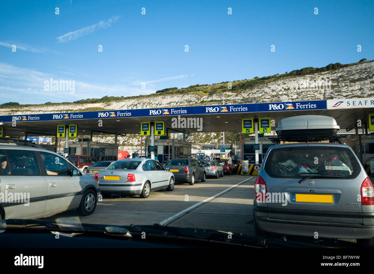 Cars waiting to check-in to go on ferry to France, Dover, Kent, UK ...