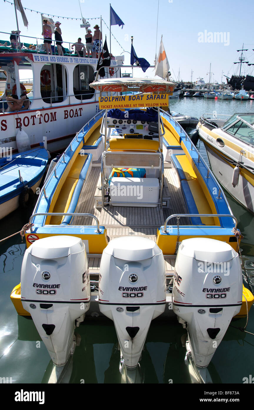Outboard motors on back of boat, Ayia Napa Harbour, Ayia Napa, Famagusta District, Cyprus - Stock Image
