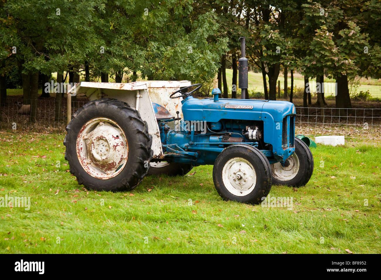 Fordson Dexta vintage tractor. - Stock Image