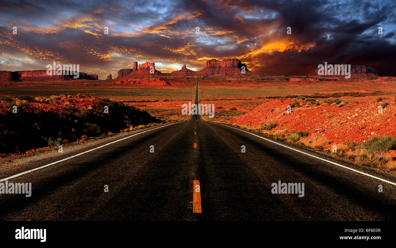 Dramatic Sunset Image of Monument Valley Mile 13 Drive - Stock Image