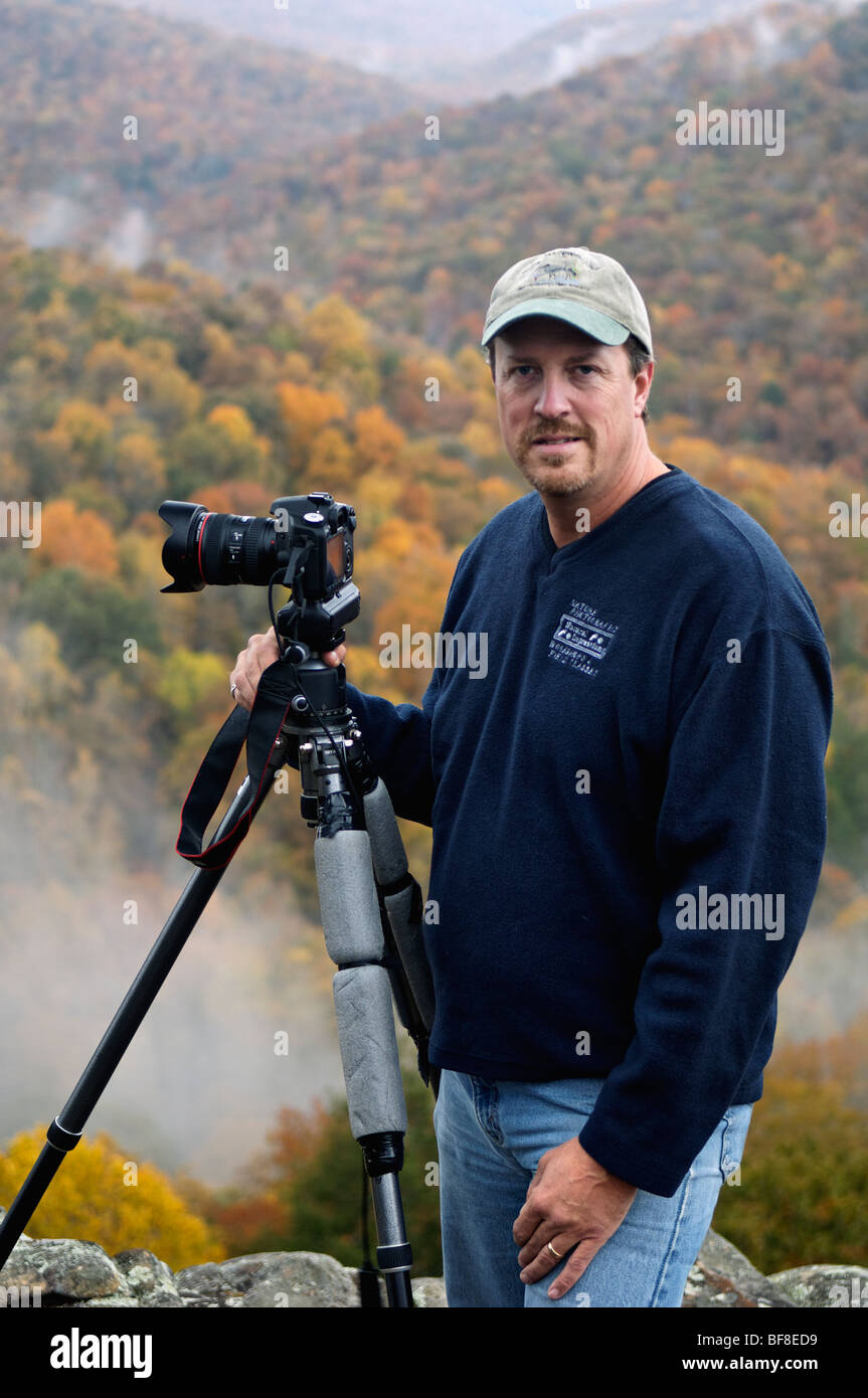 Portrait of Outdoor Photographer Harold Stinnette on Buzzards Roost in Fall Creek Falls State Park in Tennessee - Stock Image
