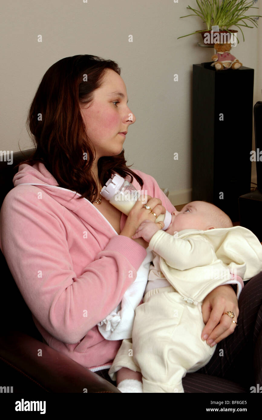 Young mother home Postnatal depression - Stock Image