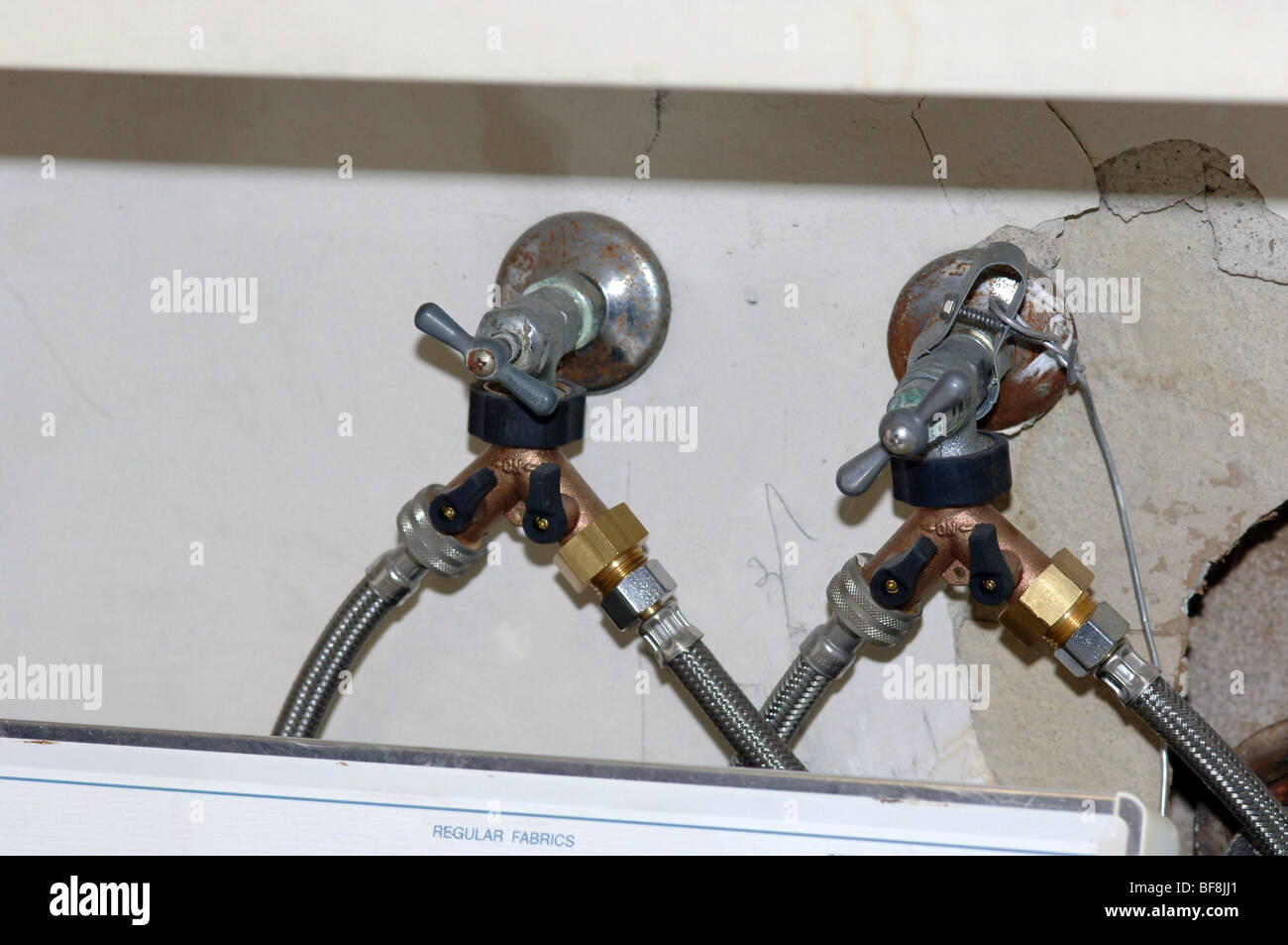 Water supply lines for a clothes washer with brass Y