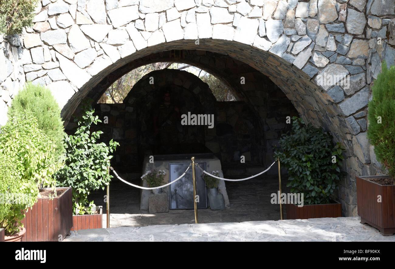 burial site of archbishop makarios III on mount throni at Kykkos Troodos republic of Cyprus - Stock Image