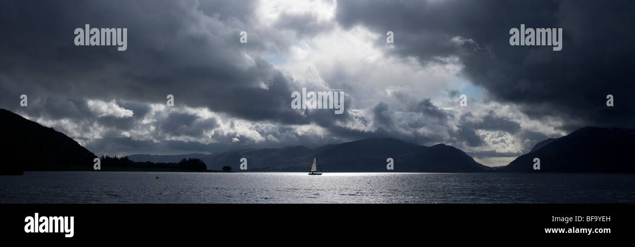 Lonely boat sailing at Loch Linnhe, near North Ballachulish, Highlands, Scoland - Stock Image
