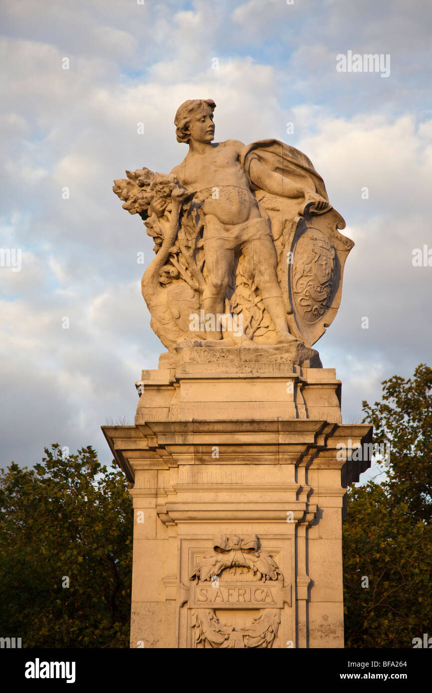 EAB Drury's South Africa Gatepost, part of the Victoria Memorial opposite Buckingham Palace, London - Stock Image