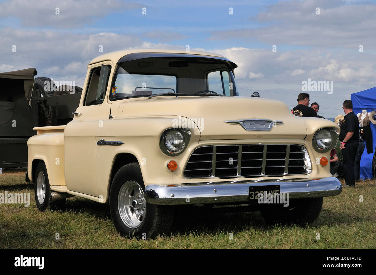 Pictures Of Old Chevy Pickup Trucks >> 1955 Chevy Stepside Pickup Truck Stock Photo: 26654081 - Alamy