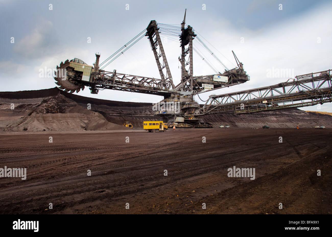 Kohletagebau in Garzweiler der von der RWE betrieben wird, - Stock Image